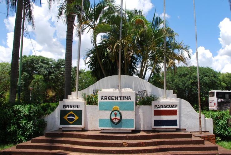 hito-de-las-tres-fonteras-puerto-iguazu